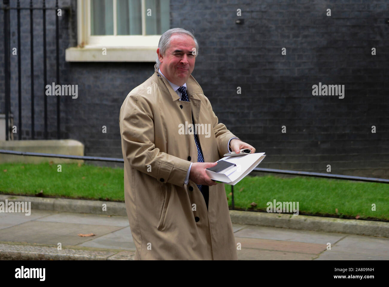 London, UK. 5th November 2019. Attorney General, Geoffrey Cox, leaving Downing Street after a Cabinet Meeting. Claire Doherty/Alamy Live News. Stock Photo