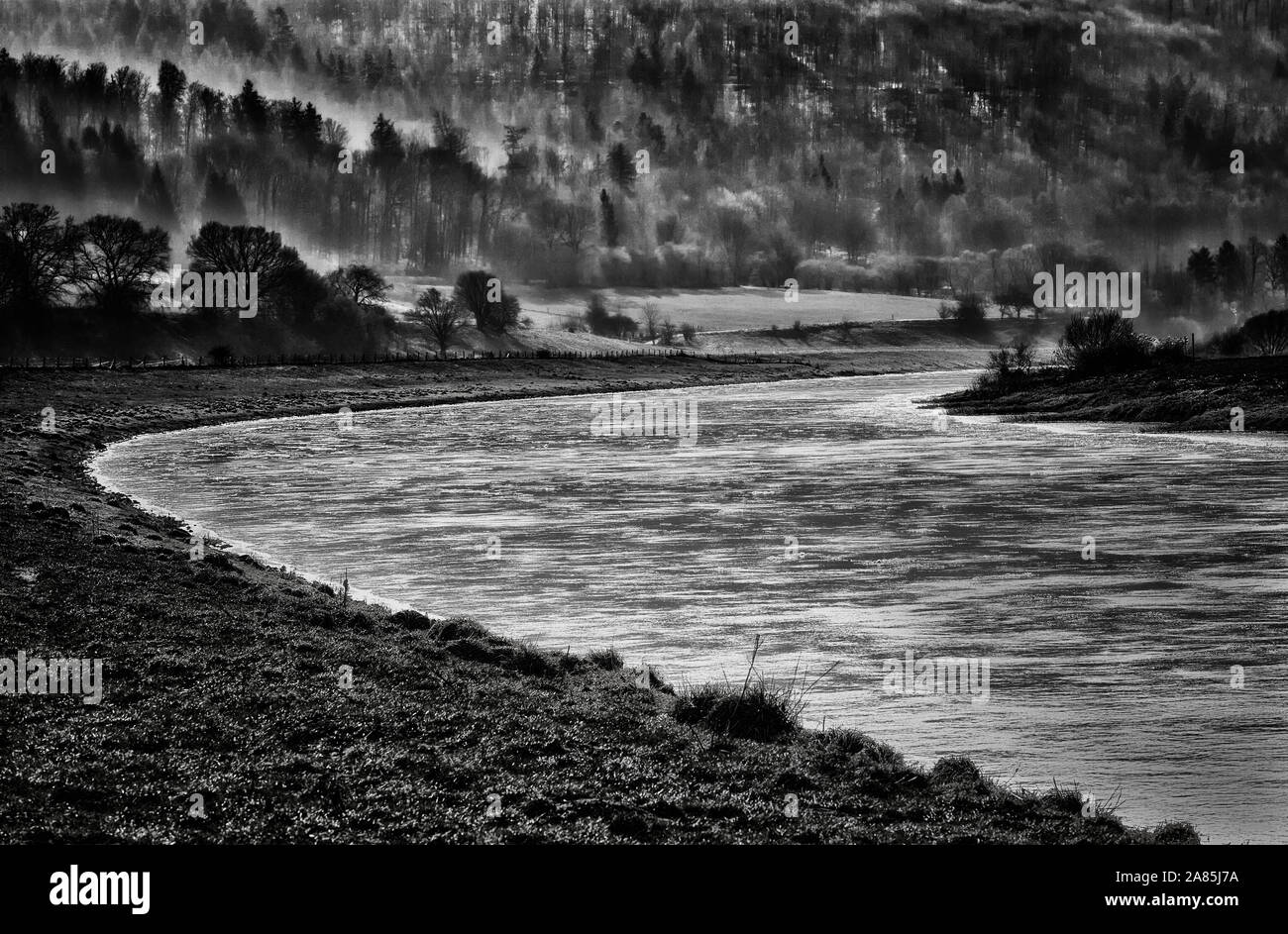 River Weser in winter, near Oberweser, Gewissenruh, Weser Uplands, Weserbergland, Hesse, Germany Stock Photo
