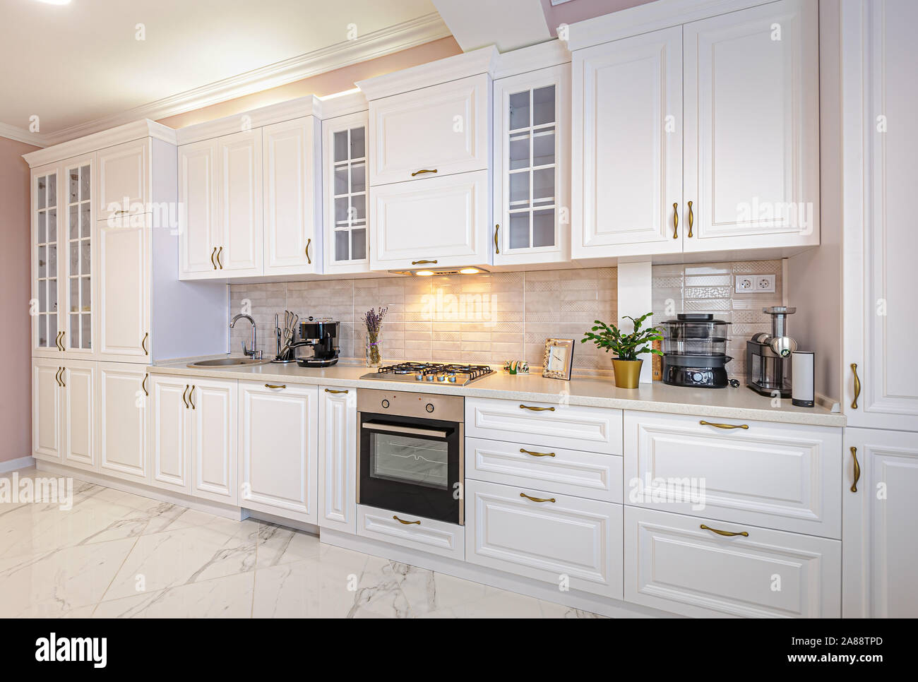Luxury Modern White Kitchen Interior Stock Photo Alamy