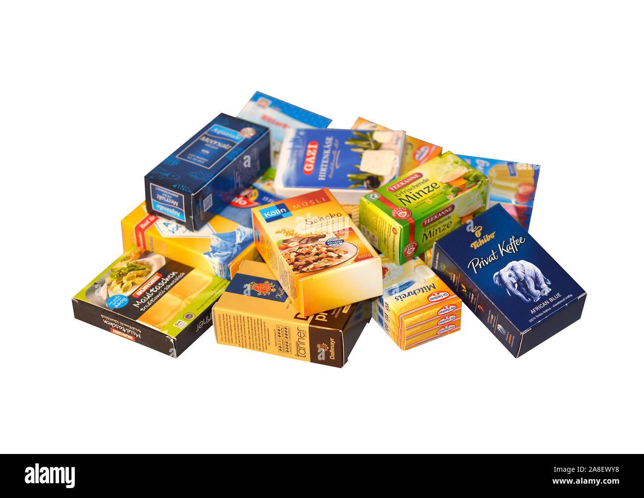 Kartons, Pappkartons, Verpackungen, Papier, Pappe, Recycling, Wertstoffe, warten auf Abholung durch Recycling Firma, Stock Photo