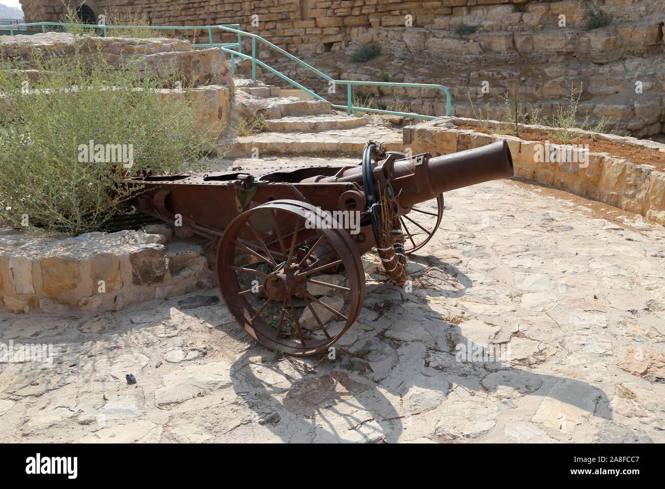 Cannon at entrance, Karak Castle, Al Karak, Karak Governorate, Jordan, Middle East Stock Photo