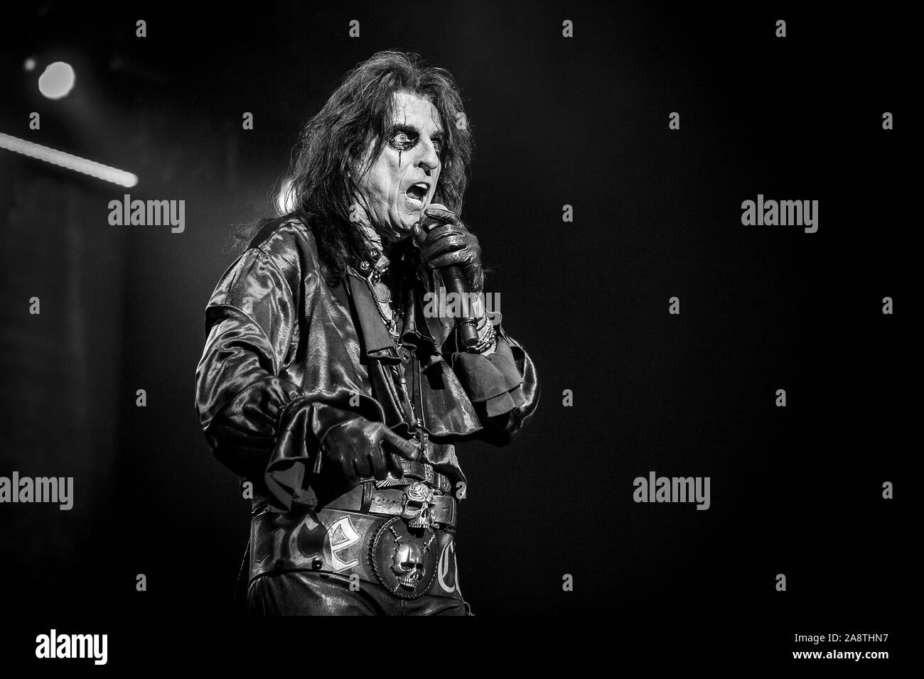 LONDON, ENGLAND: Alice Cooper performs at The O2 Arena Featuring: Alice Cooper Where: London, United Kingdom When: 10 Oct 2019 Credit: Neil Lupin/WENN Stock Photo