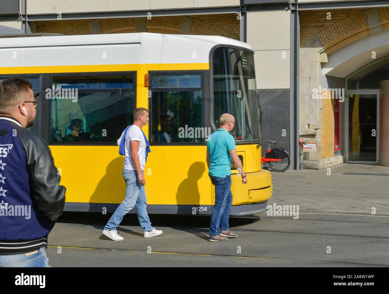 Tram, Alexanderplatz, Mitte, Berlin, Deutschland Stock Photo