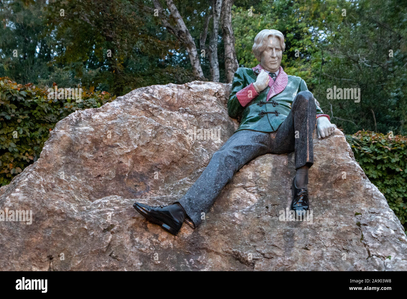 The Oscar Wilde Memorial Sculpture by Danny Osborne in Merrion Square Dublin Ireland Stock Photo