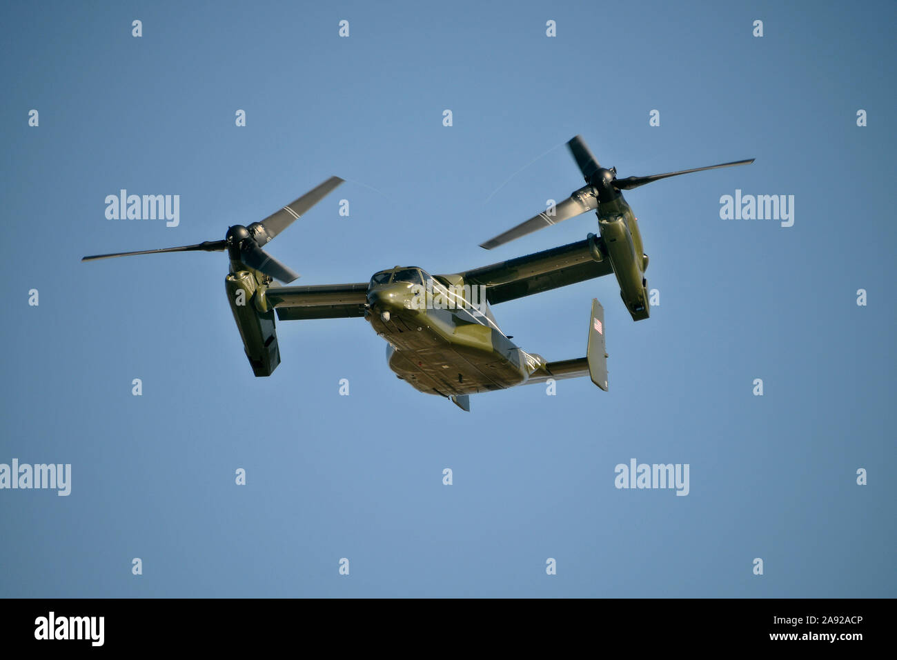 Helicopter Bell-Boing V-22 Osprey, tiltrotor, convertible airplane, US Airforce over Playa del Rey, Los Angeles, California, USA Stock Photo