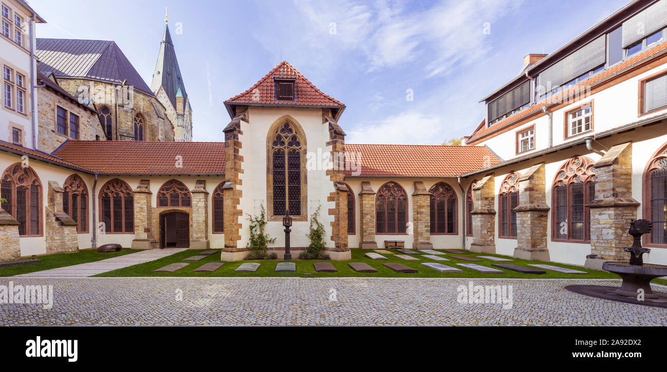 Courtyard and cloister of the High Dome in Paderborn. North Rhine-Westphalia, Germany Stock Photo