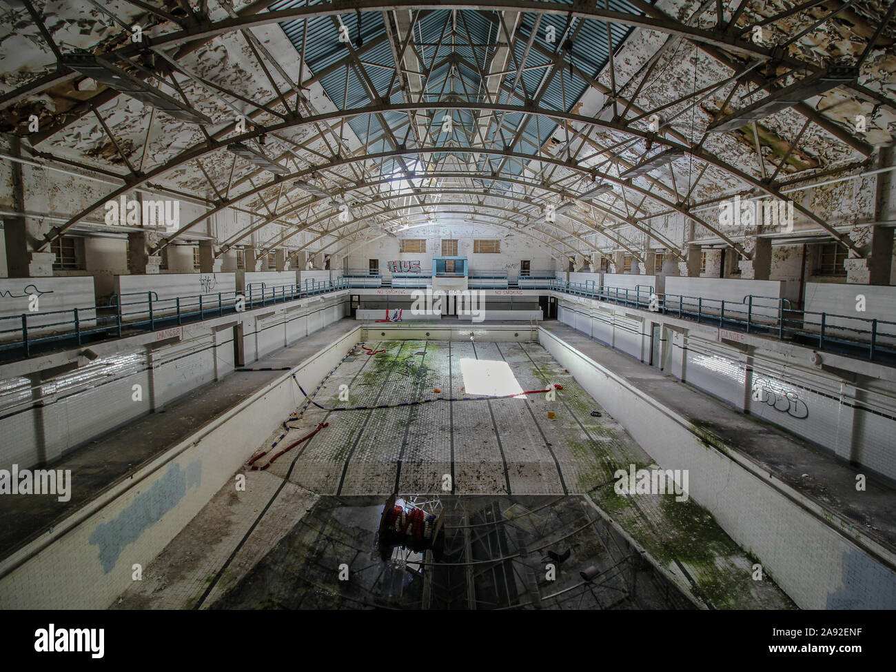 Page 2 Abandoned Pool High Resolution Stock Photography And Images Alamy