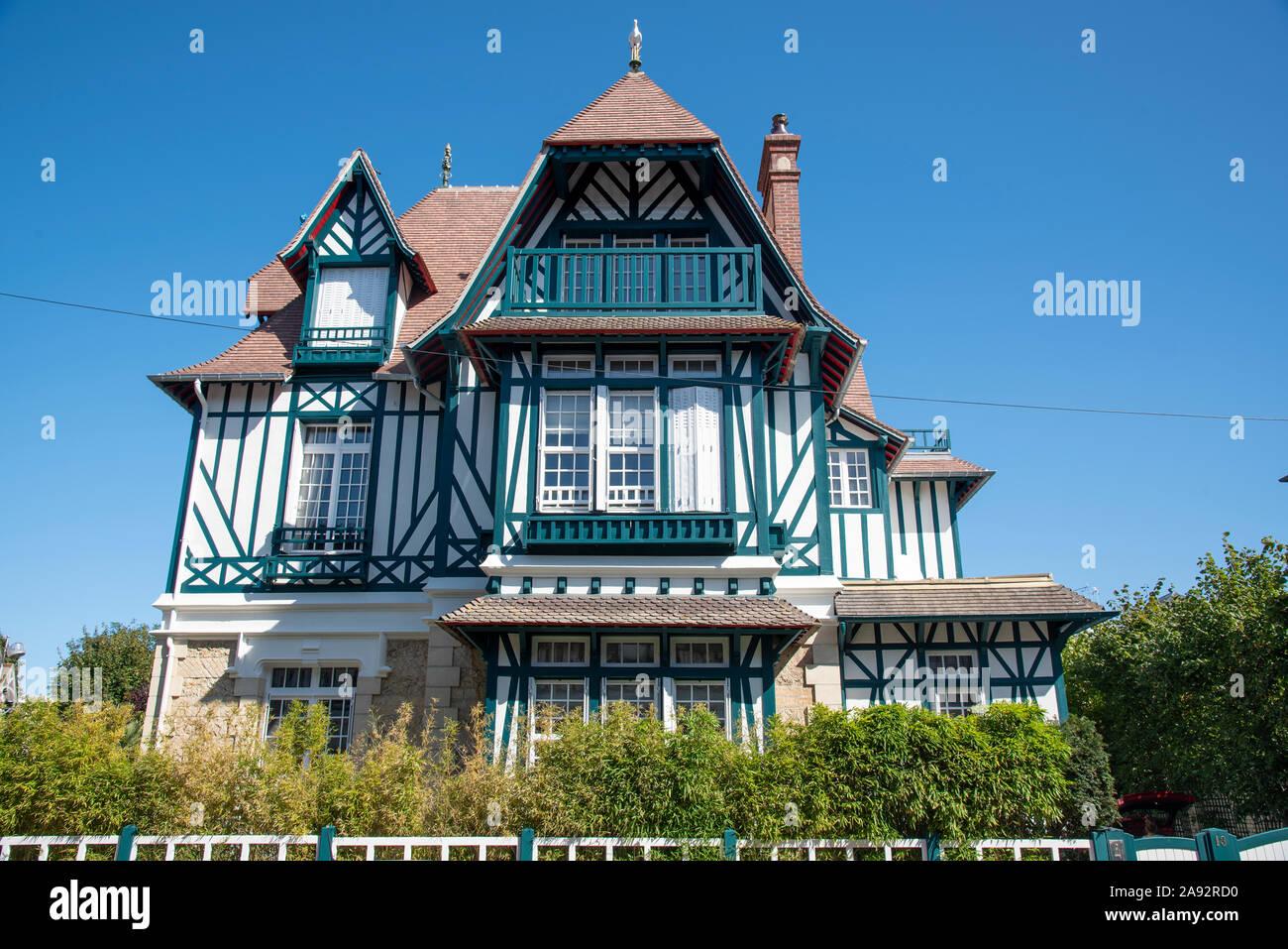 Traditionelle Architektur In Trouville Sur Mer Normandie Frankreich Stock Photo Alamy