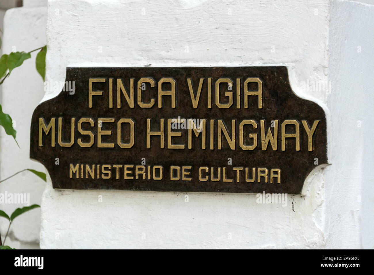 A pique at the main entrance to the American author, Ernest Hemingway's home, Finca La Vigia, in San Francisco de Paula, southeast of Havana city cent Stock Photo