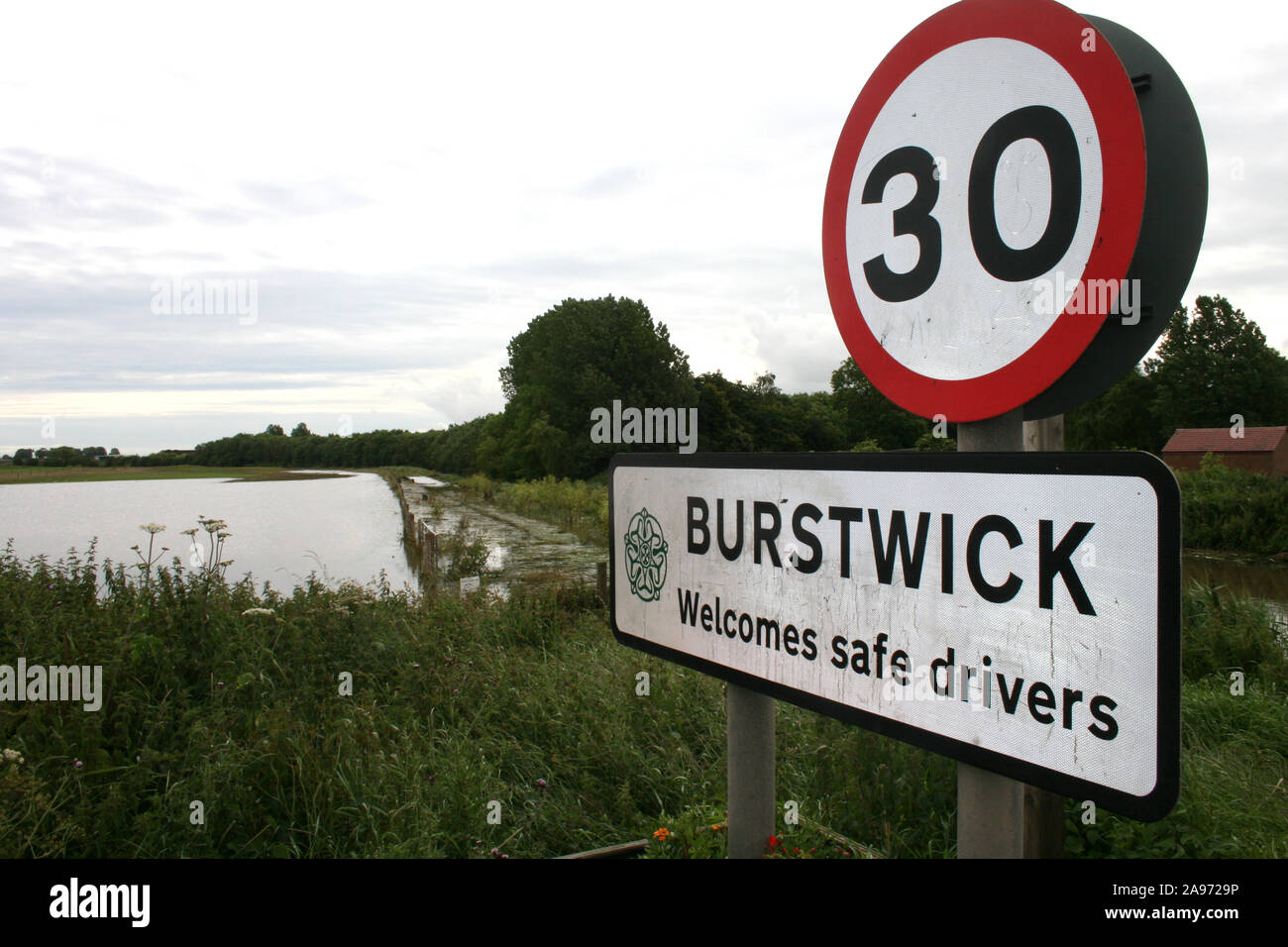 river overflowing  Flooding, Burstwick. yorkshire Stock Photo