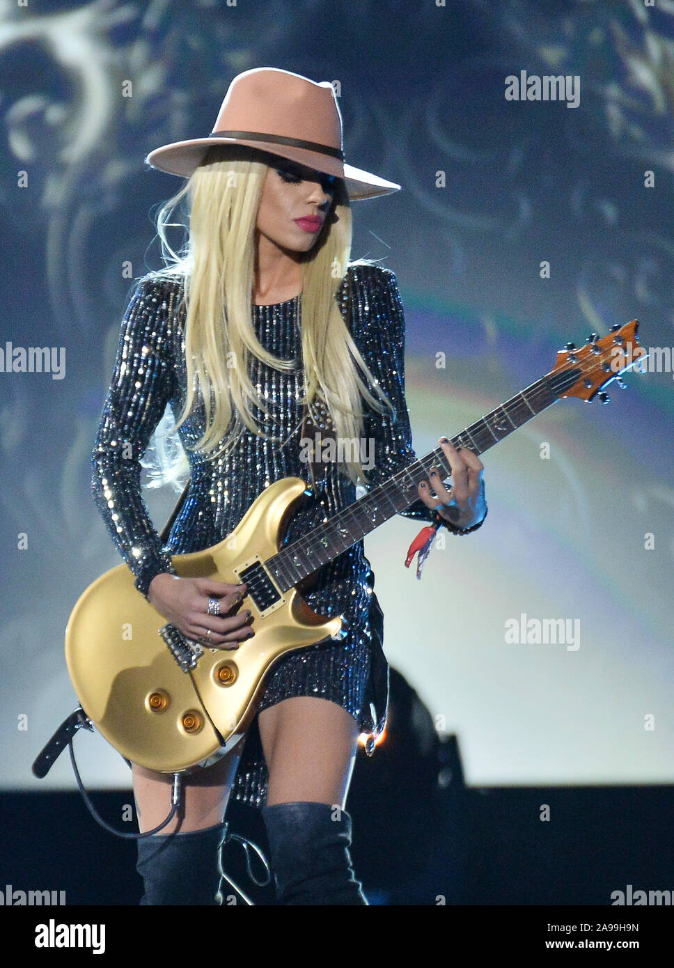 """Las Vegas, United States. 13th Nov, 2019. Musician Orianthi performs """"Nada Valgo Sin Tu Amor"""" onstage at the Latin Grammy Person of the Year gala honoring Columbian singer Juanes at the MGM Grand Convention Center in Las Vegas, Nevada on Wednesday, November 13, 2019. Photo by Jim Ruymen/UPI Credit: UPI/Alamy Live News Stock Photo"""