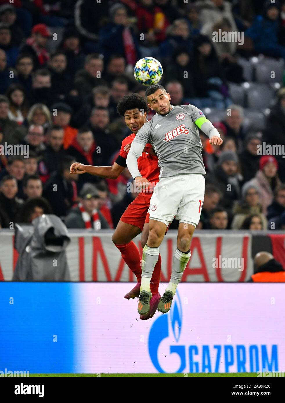 header-duel-duel-action-serge-gnabry-fc-