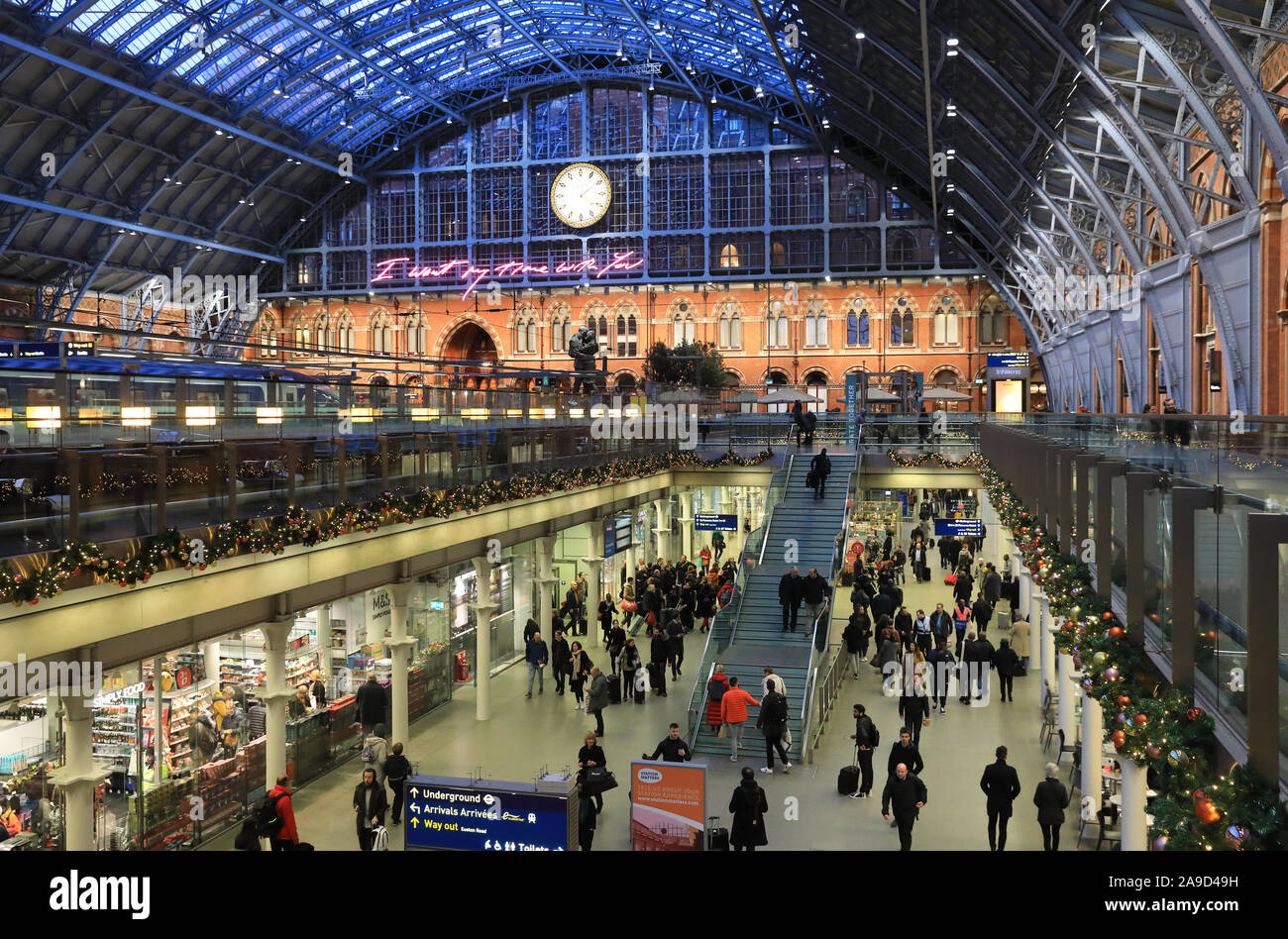 Christmas shopping and travelling at St Pancras International train station, in London, UK Stock Photo