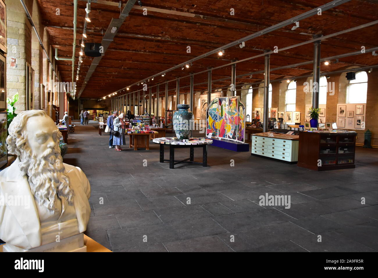 Shoppers World High Resolution Stock Photography And Images Alamy