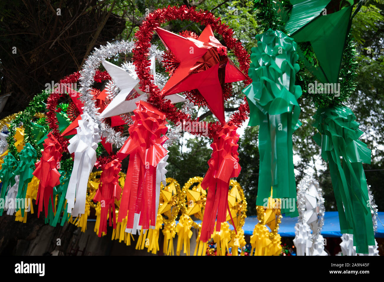 Star Lantern Xmas Decorations High Resolution Stock Photography And Images Alamy