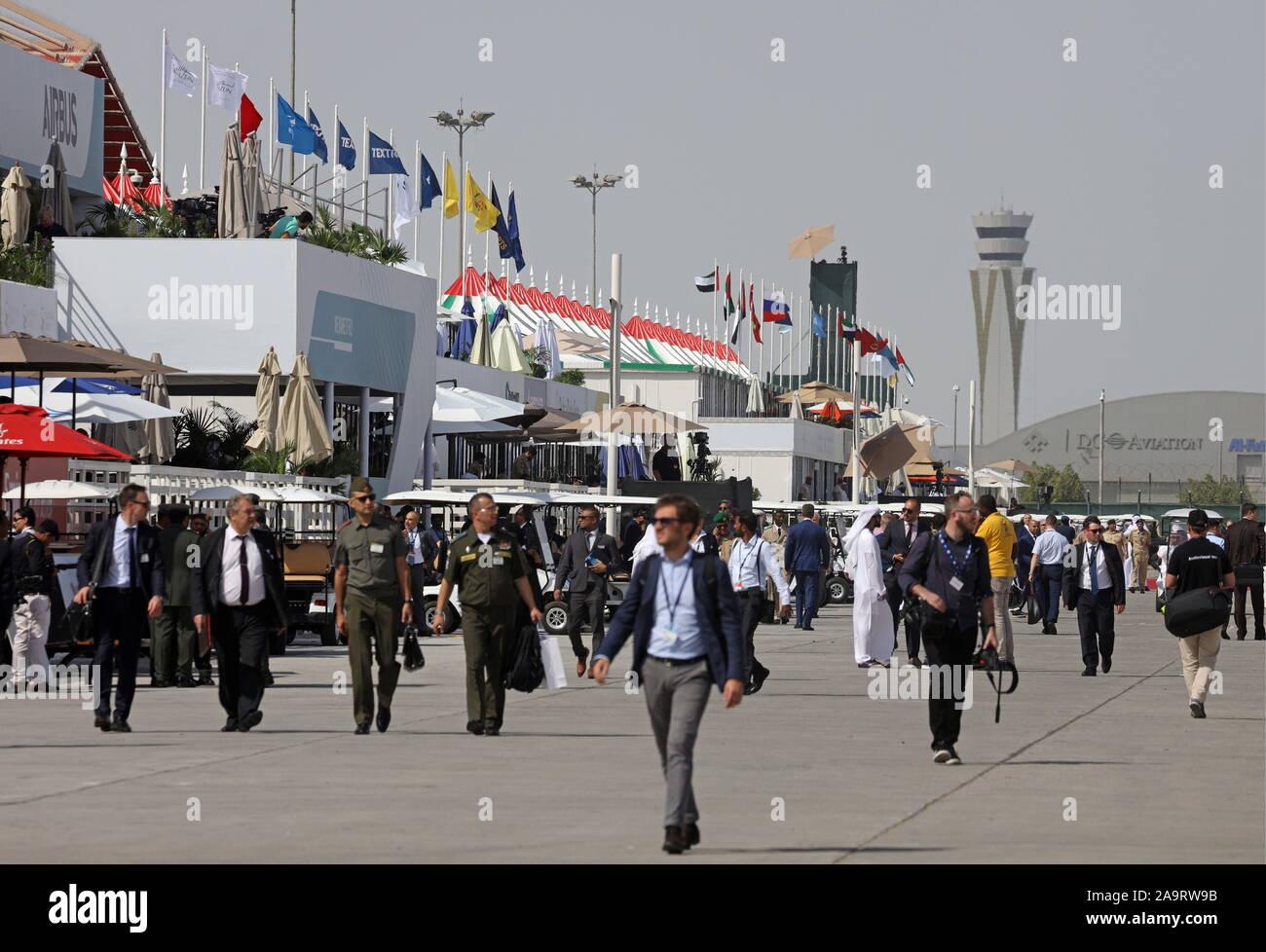 Dubai, United Arab Emirates. 17th Nov, 2019. DUBAI, UNITED ARAB EMIRATES - NOVEMBER 17, 2019: People attend the 2019 Dubai Airshow. Marina Lystseva/TASS Credit: ITAR-TASS News Agency/Alamy Live News Stock Photo