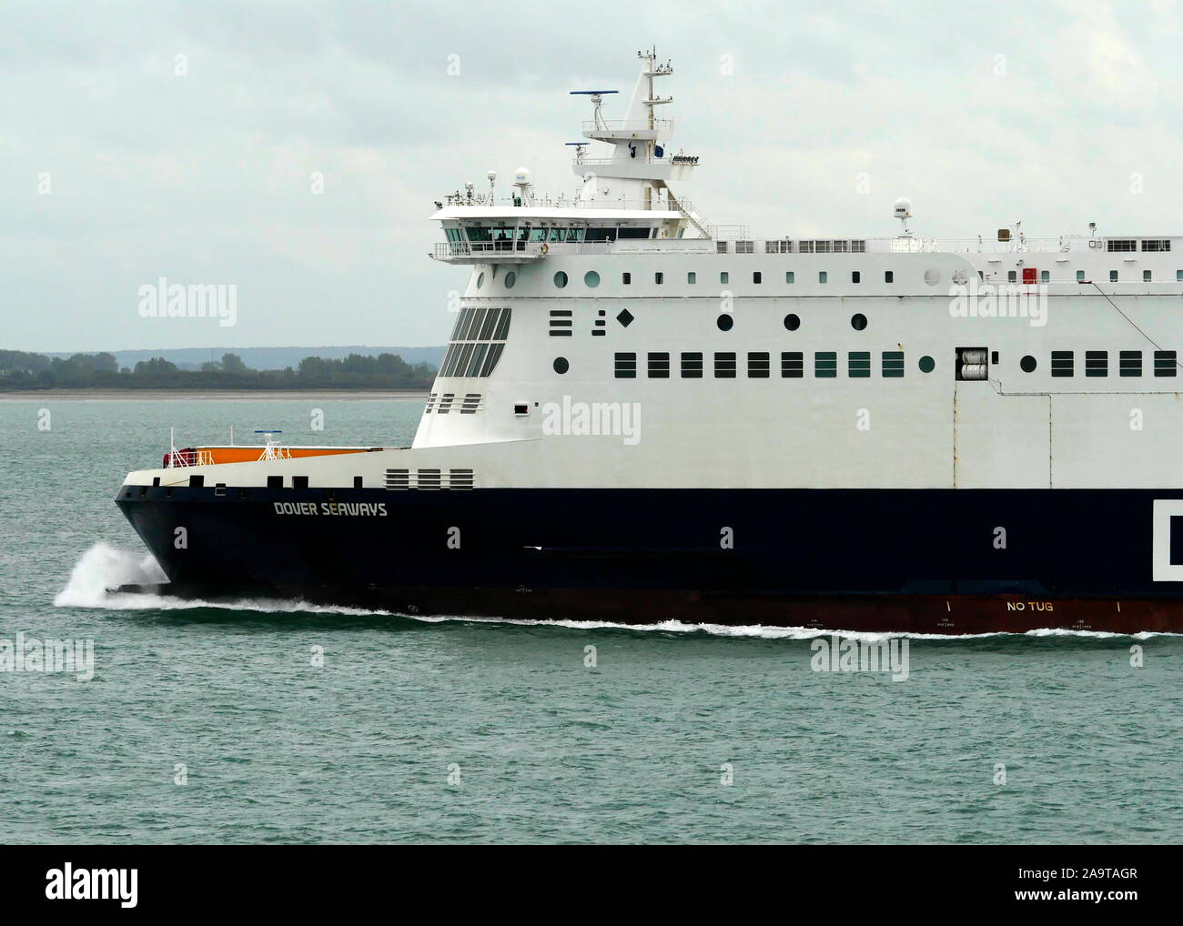 AJAXNETPHOTO. 15TH OCTOBER, 2019. CHANNEL, ENGLAND.- CROSS CHANNEL CAR AND PASSENGER FERRY DFDS DOVER SEAWAYS ON PASSAGE TO DUNKERQUE.PHOTO:JONATHAN EASTLAND/AJAX REF:GX8 191510 20932 Stock Photo