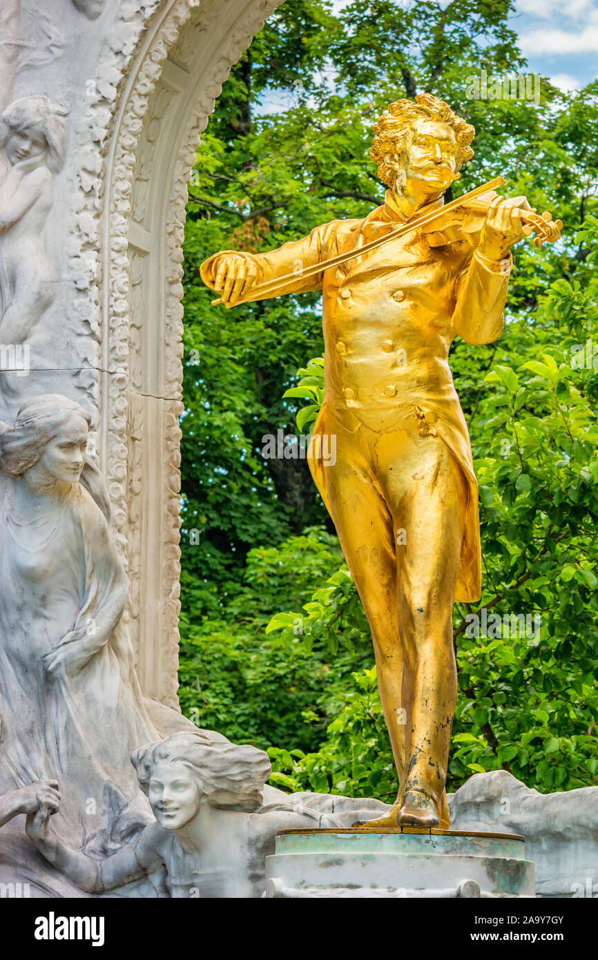 Johann Strauss II monument by Edmund Hellmer in Stadtpark, downtown Vienna Austria. It was unveiled to the public on 26 June 1921. Stock Photo