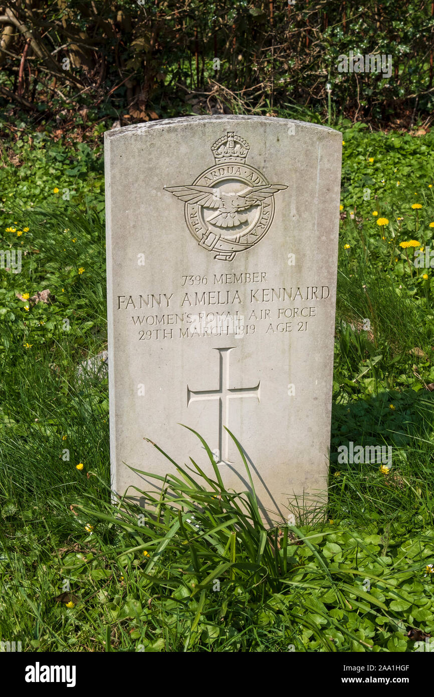 Women's Royal Air force grave of Fanny Amelia Kennaird, died 1919, Commonwealth Graves. Wadhurst, East Sussex, UK Stock Photo