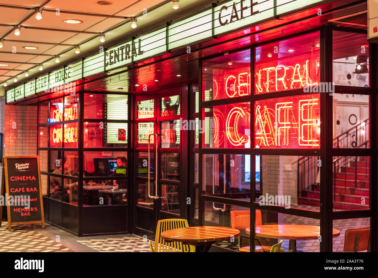 Bars Near Piccadilly Circus >> Picturehouse Cinema Foyer Picturehouse Central Cinema Near