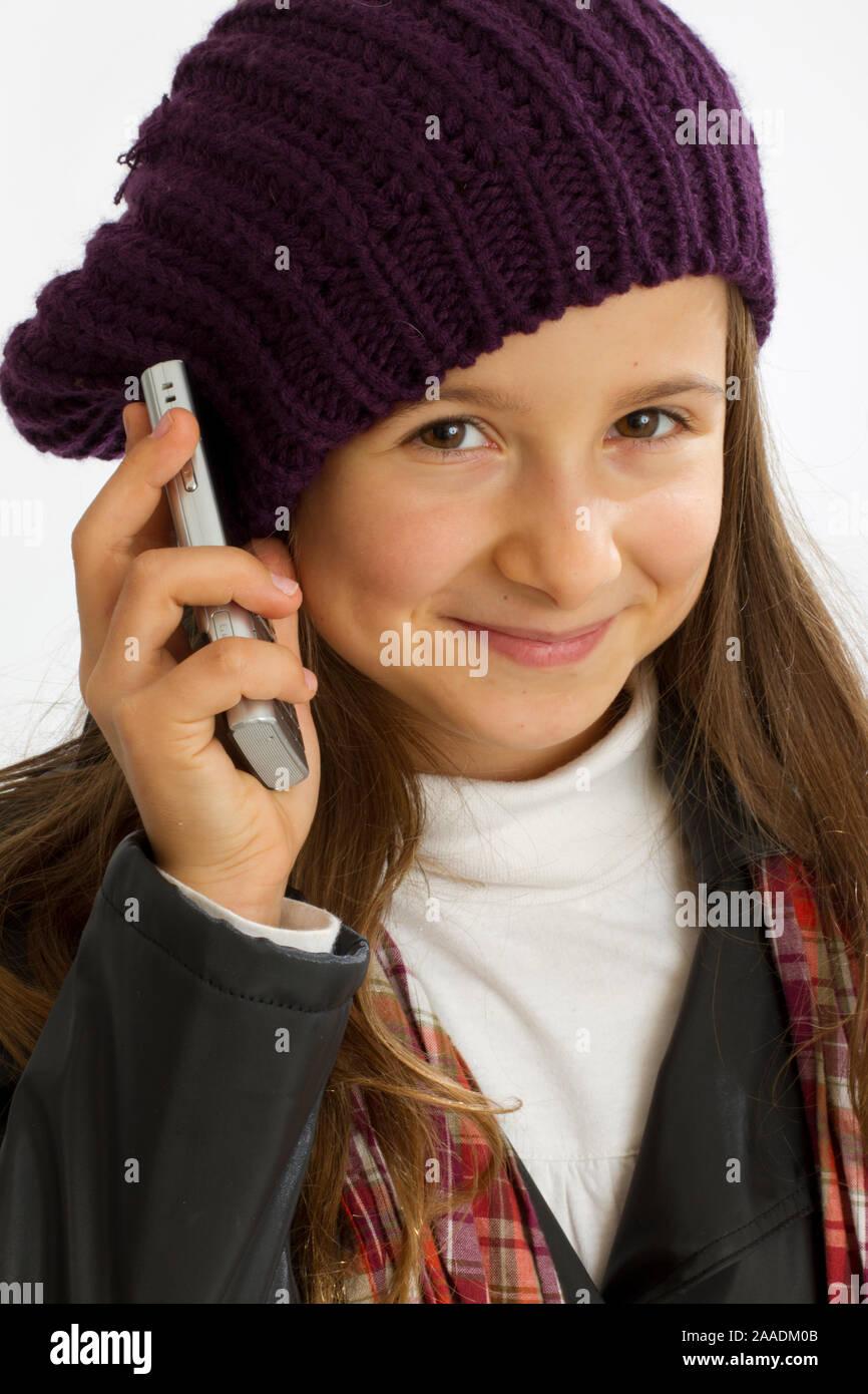 Mädchen mit Handy in der Hand Stock Photo