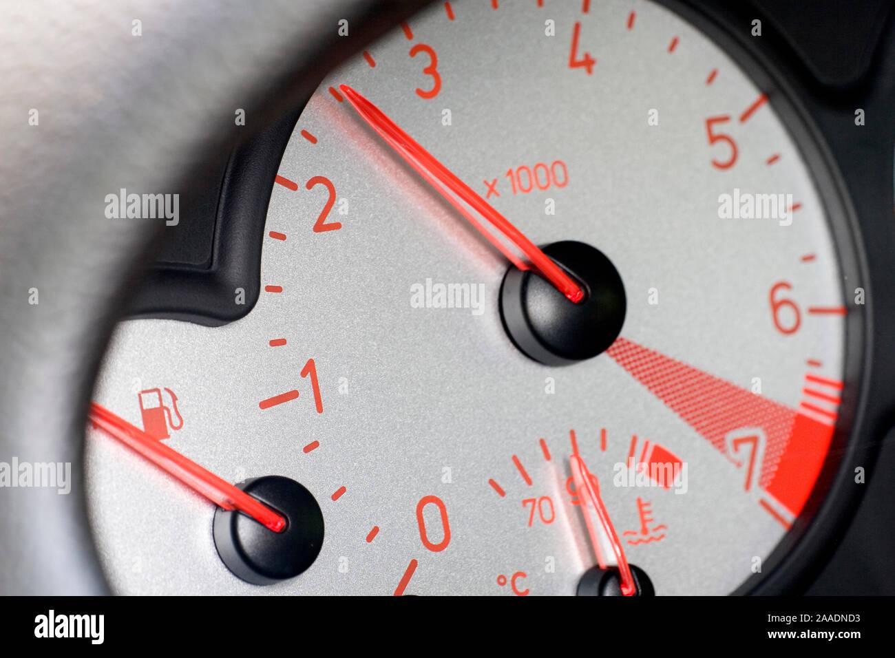 Armaturenbrett eines Peugeot 206 CC (no pr) Stock Photo