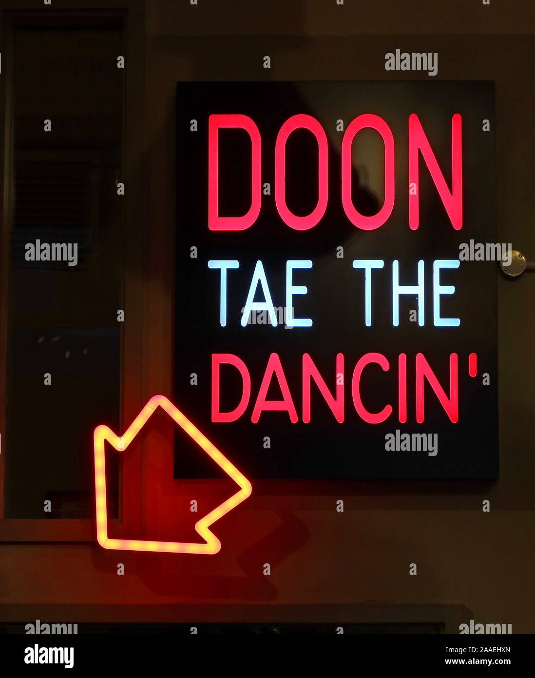 Doon Tae The Dancing sign - Down To The Dancing - pub,bar,club sign - Scots poetry Stock Photo