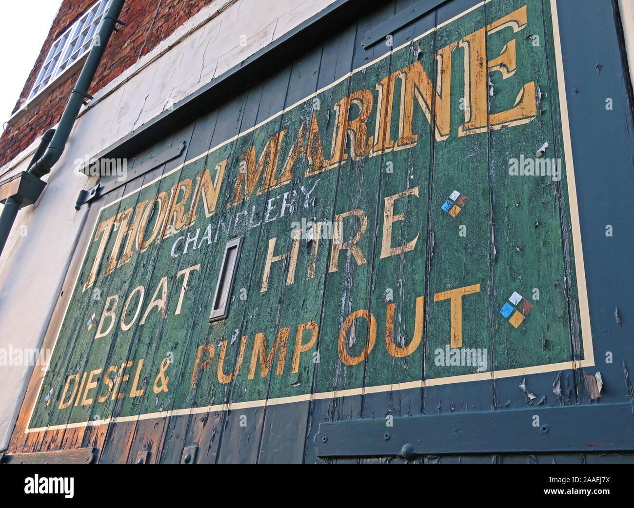 Thorn Marine Chandlery Boat Hire, Diesel Pump out, Bridgewater Canal,Stockton Heath,South Warrington, Cheshire, England, UK, WA4 6LE Stock Photo