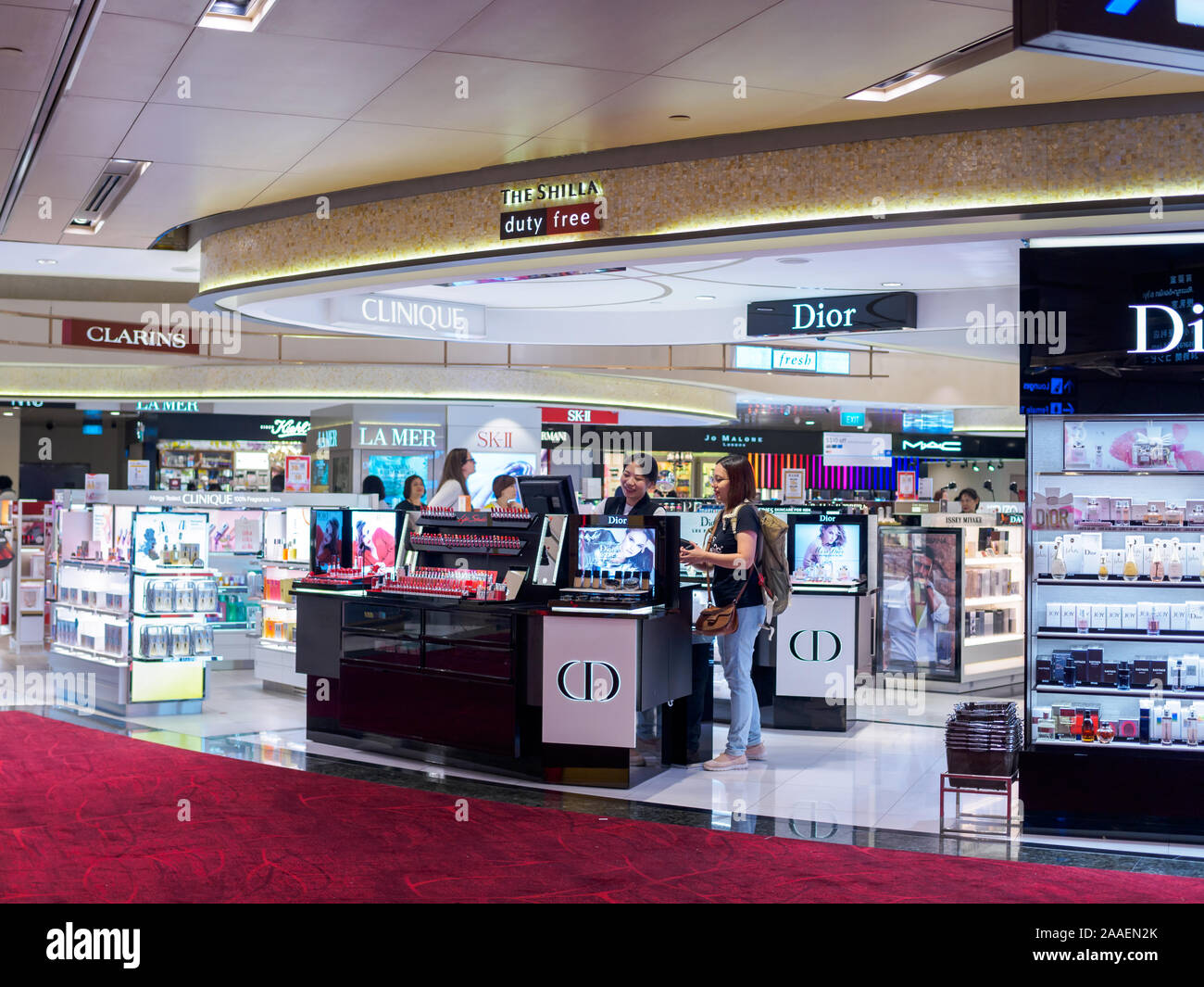 SINGAPORE - 5 OCT 2019 – Women customers shopping at The Shilla Duty Free store at Singapore Changi airport Terminal 1 Stock Photo