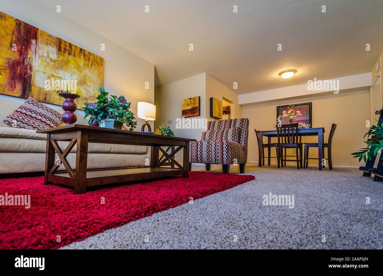 Picture of: An Open Floor Plan Features A Living Room Dining Room Combo At Four Seasons Apartments In Mobile Alabama Stock Photo Alamy