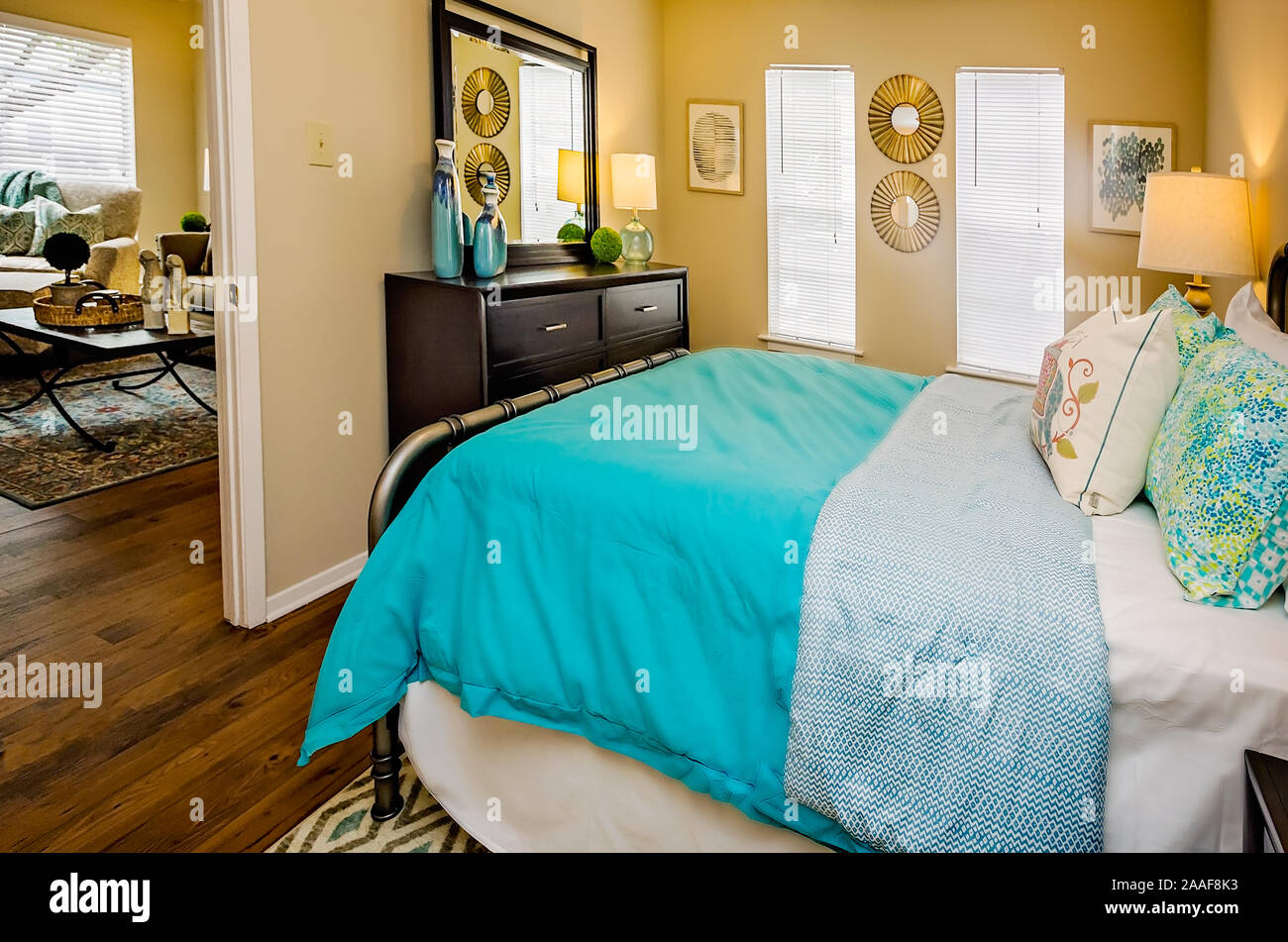 Small Bedroom Cramped High Resolution Stock Photography And Images Alamy