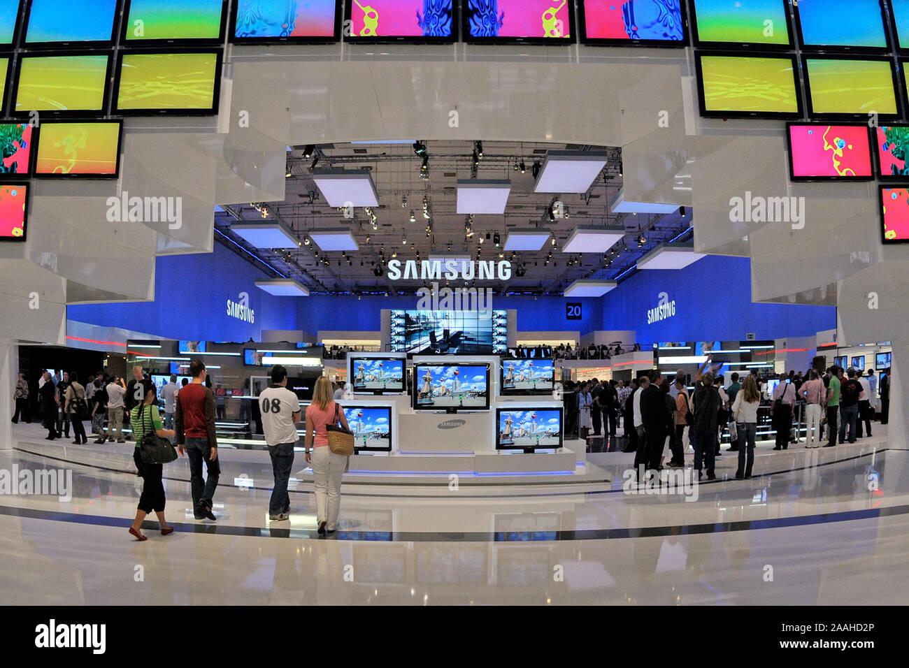 Halle der Firma Samsung auf der Internationalen Funkausstellung IFA in Berlin Stock Photo