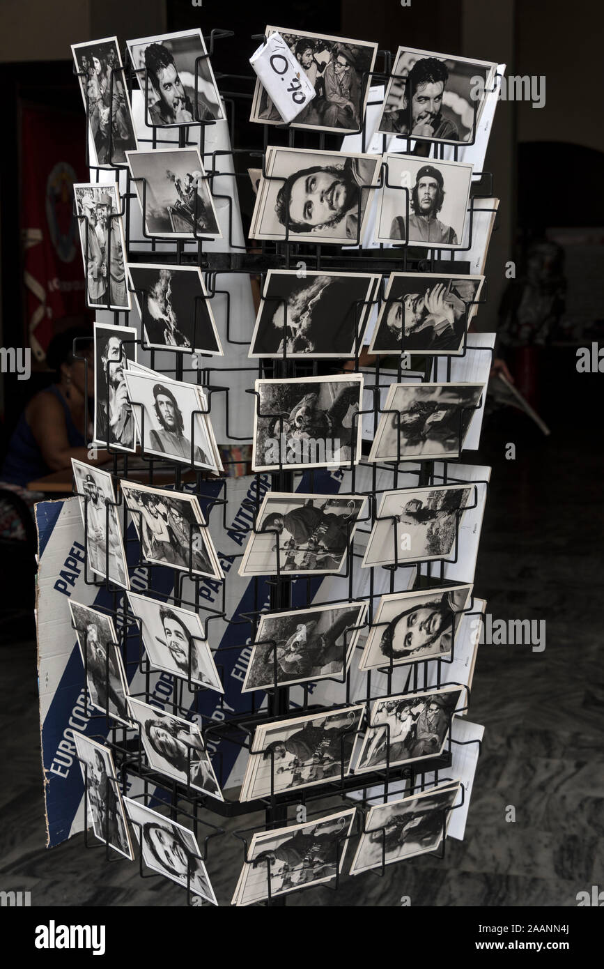 "A postcard rack of images of Ernesto ""Che"" Guevara , an Argentine Marxist revolutionary and was one of the leaders with Fildel Castrol during the 1959 Stock Photo"