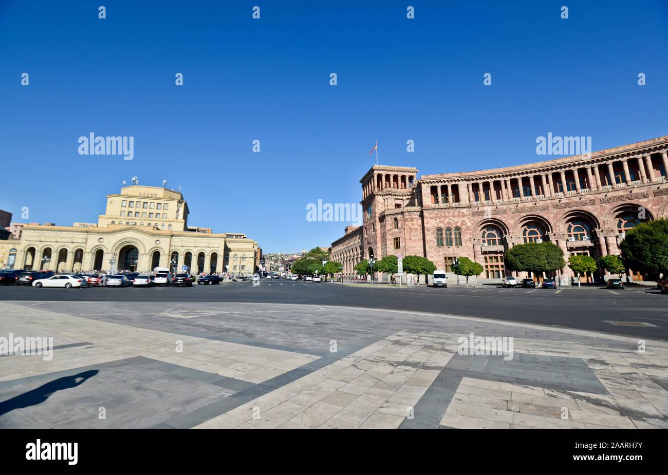 Yerevan, Republic Square: Government House of Armenia and History Museum of Armenia / National Gallery of Armenia Stock Photo