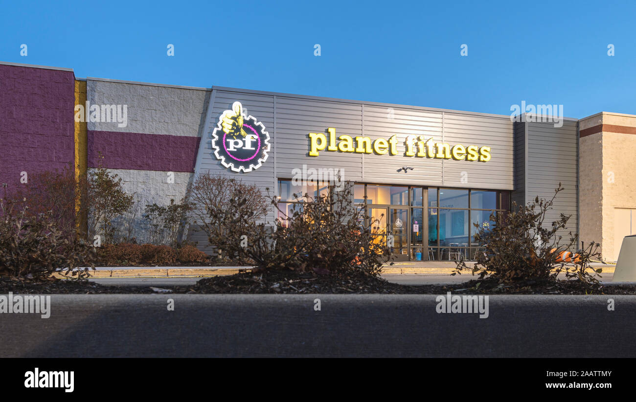 Planet Fitness Logo Stock Photos Planet Fitness Logo Stock