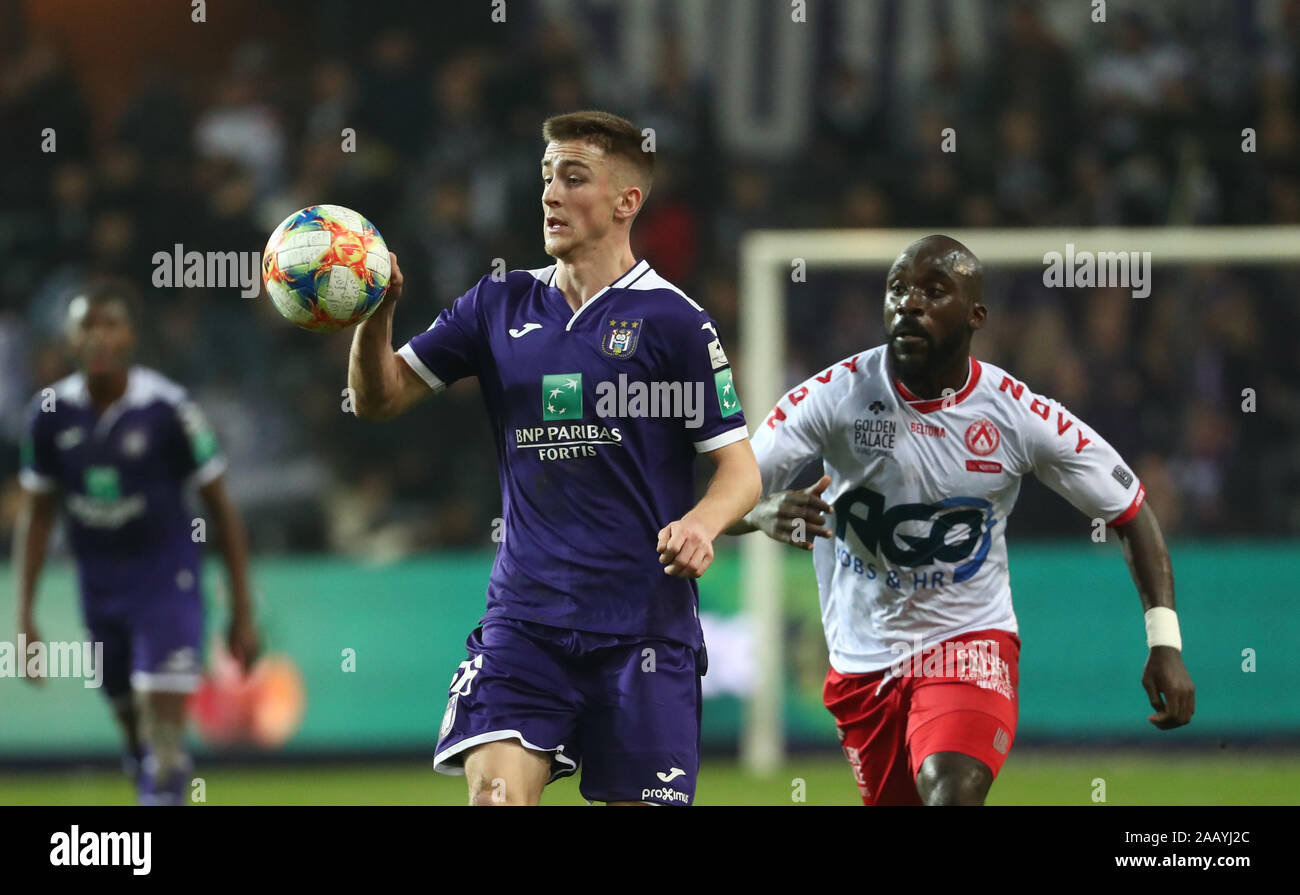 BRUSSELS, BELGIUM - NOVEMBER 24: Alexis Saelemaekers of Anderlecht battles  for the ball with Herve Kage of