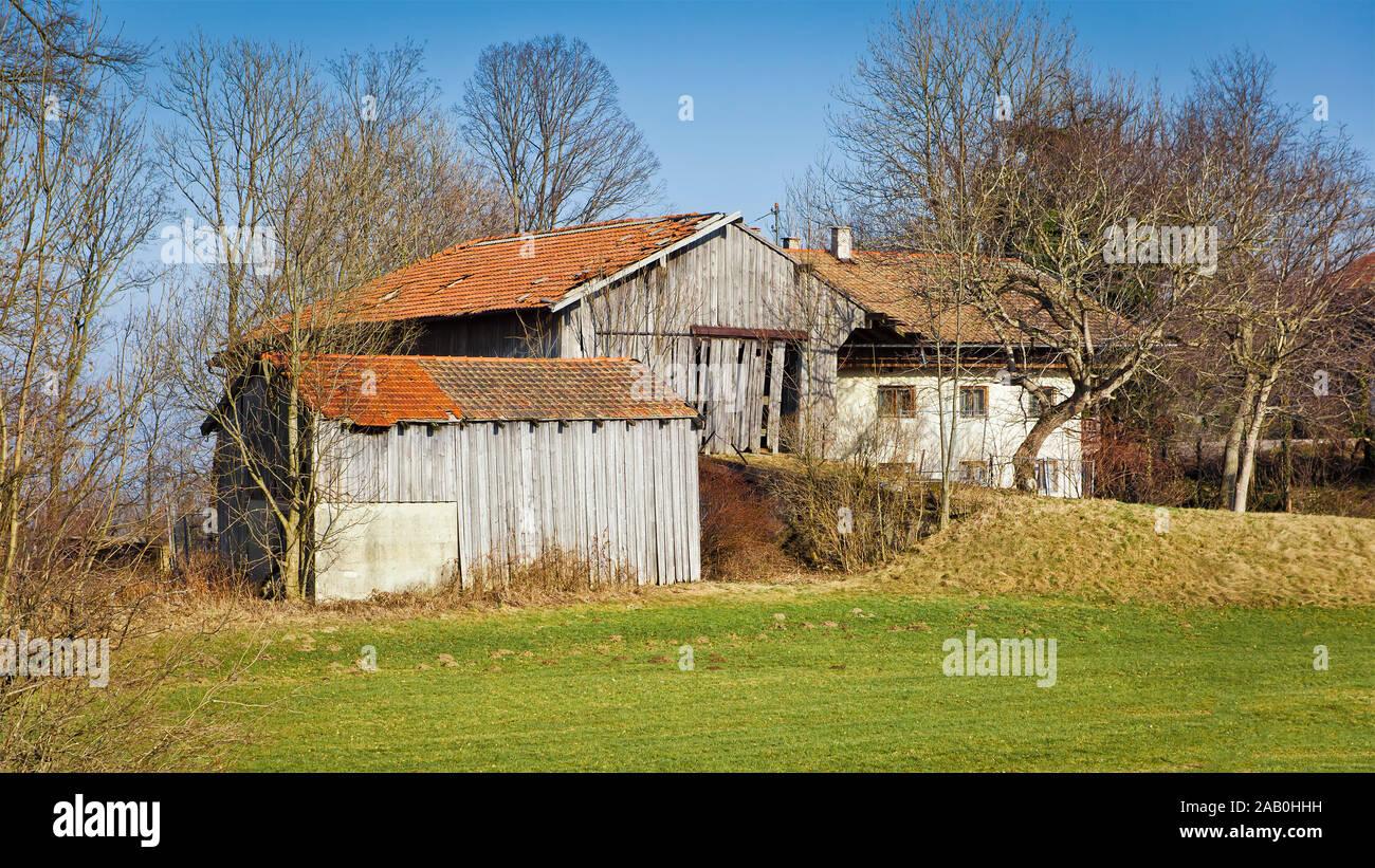 Ein altes Farmhaus auf dem Land in Bayern, Deutschland Stock Photo