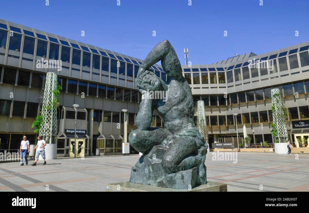 """Kunstwerk """"Passione per l´arte"""" von Sandro Chia, Neues Rathaus, Niederwall, Bielefeld, Nordrhein-Westfalen, Deutschland Stock Photo"""