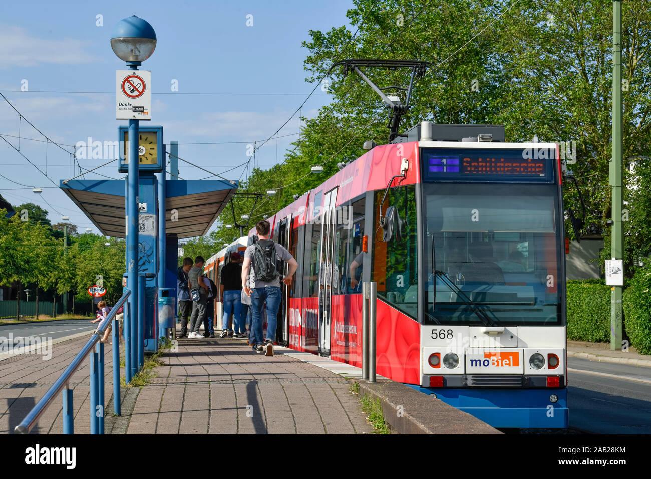 Tram, Artur-Ladebeck-Straße, Bielefeld, Nordrhein-Westfalen, Deutschland Stock Photo
