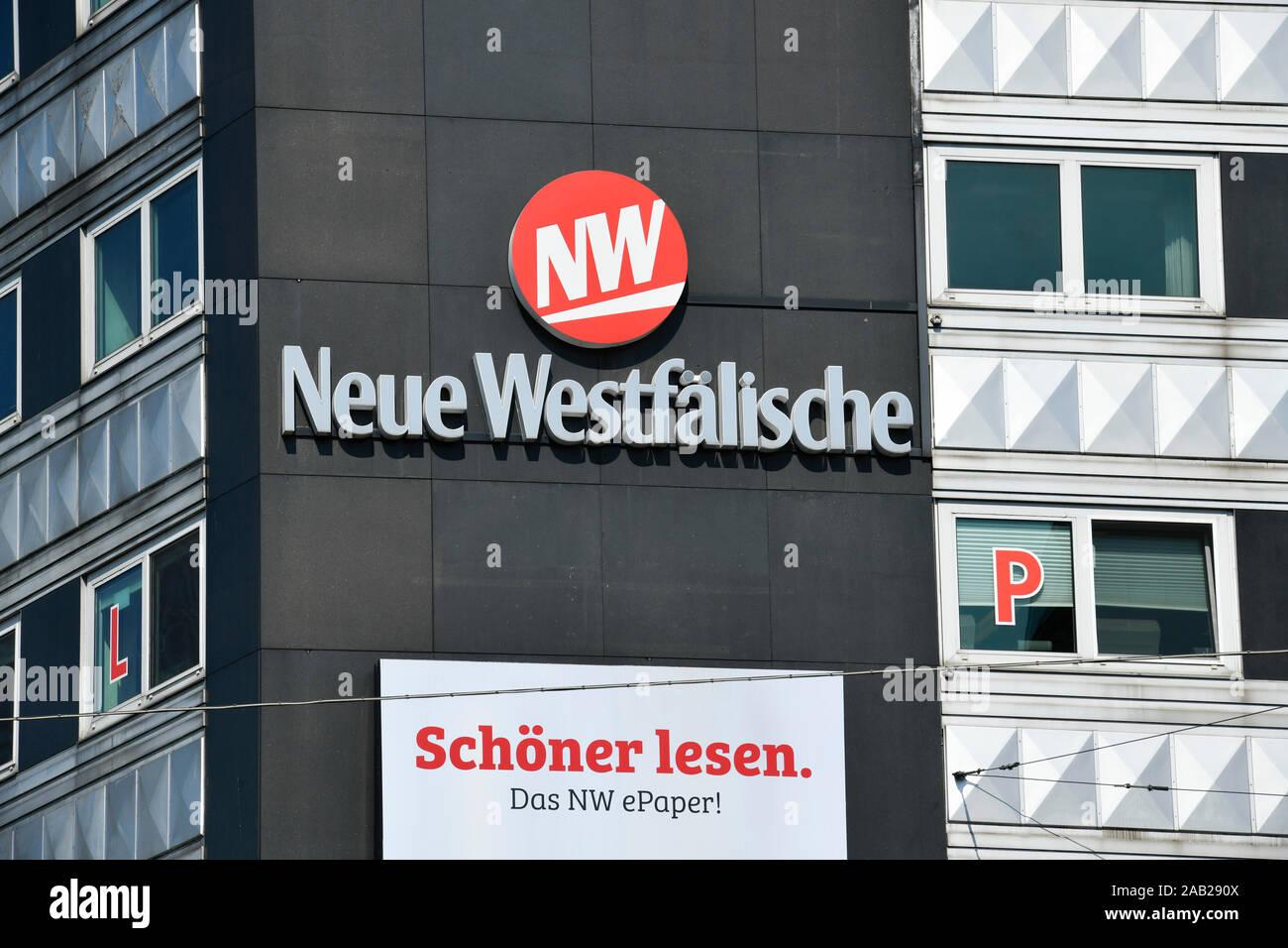 Werbung Tageszeitung Neue Westfälische, Jahnplatz, Bielefeld, Nordrhein-Westfalen, Deutschland Stock Photo