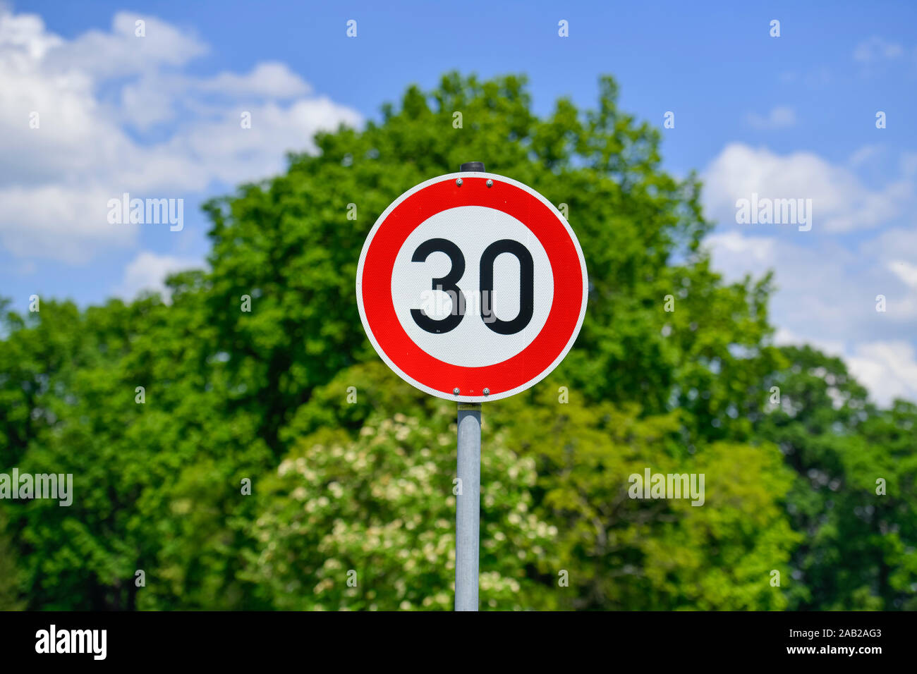 Verkehrsschild Tempo 30 Stock Photo