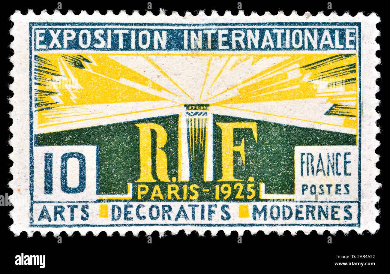 "French postage stamp (1925) : Exposition Internationale des Arts Décoratifs et Industriels Modernes in Paris - the origin of the term ""Art Deco"" Stock Photo"