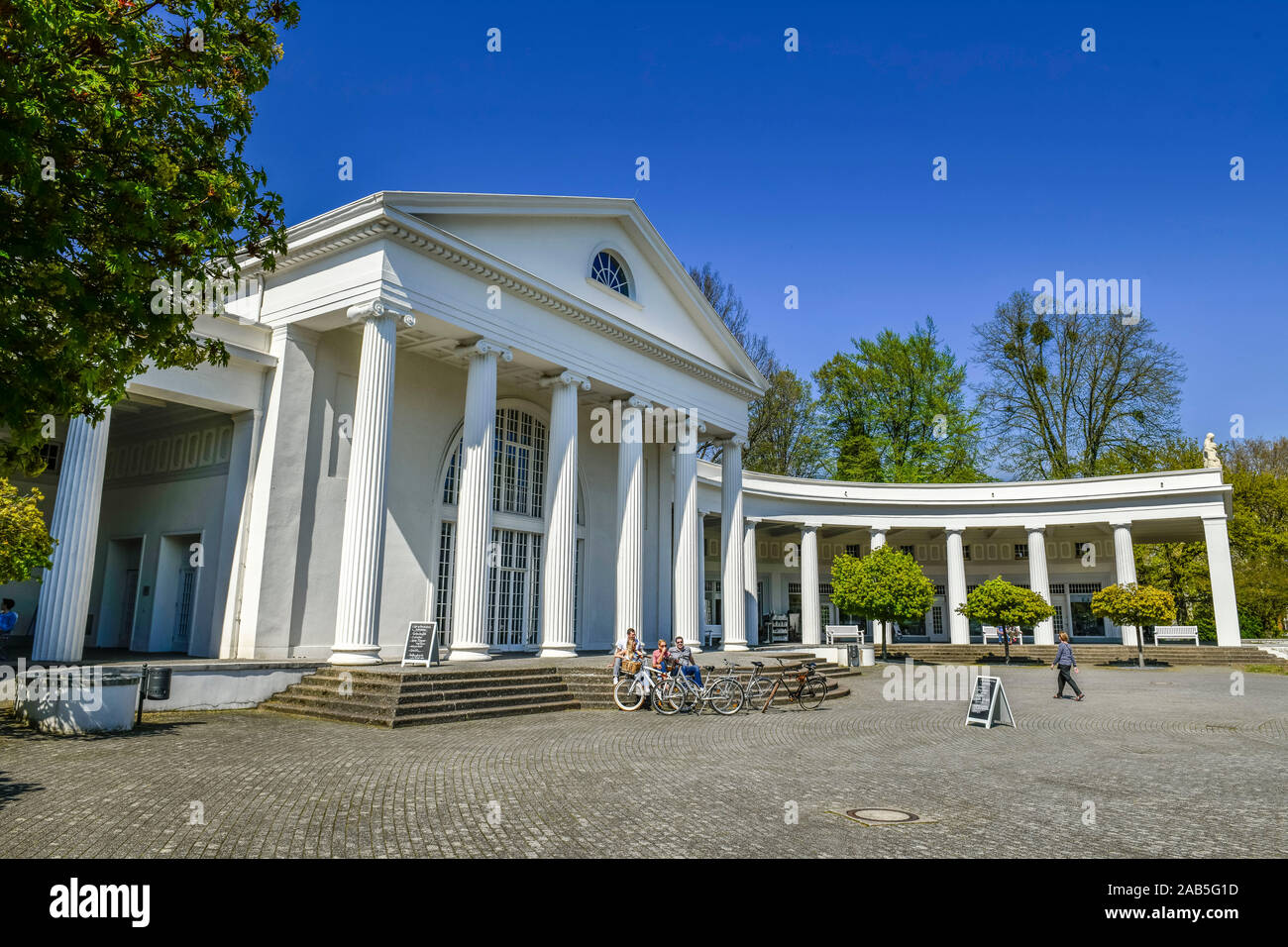 Wandelhalle, Kurpark, Bad Oeynhausen, Nordrhein-Westfalen, Deutschland Stock Photo