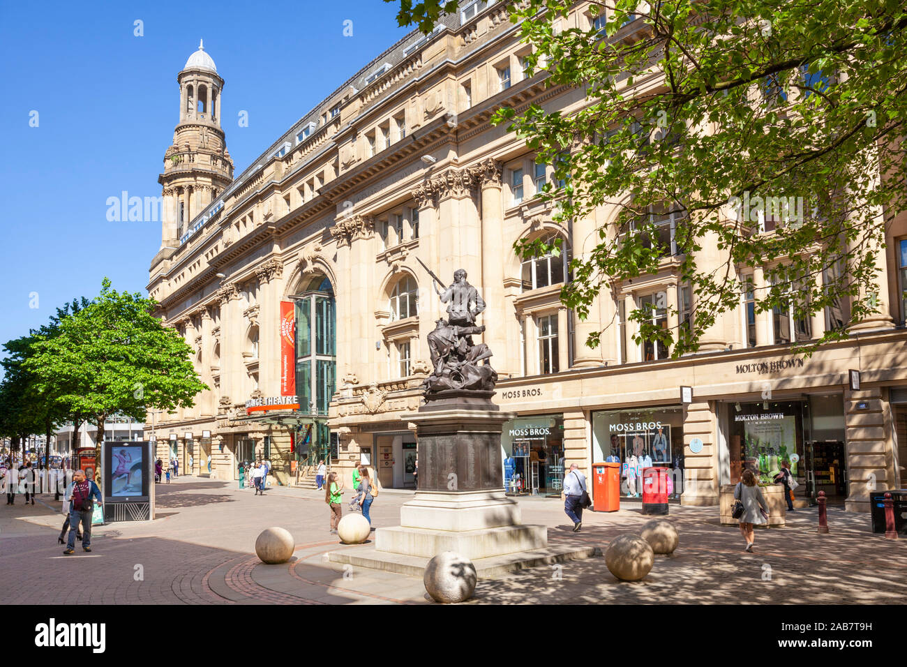 Royal Exchange Theatre and Boer War Memorial, Exchange Street, St. Annes Square, Manchester City centre, Manchester, England, United Kingdom, Europe Stock Photo