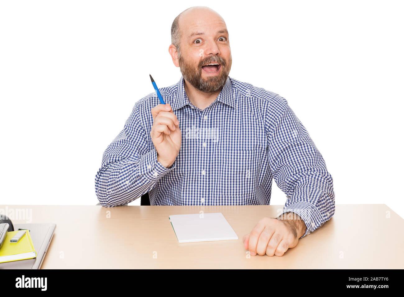 Ein Mann mit Bart, der gerade eine Idee hat Stock Photo
