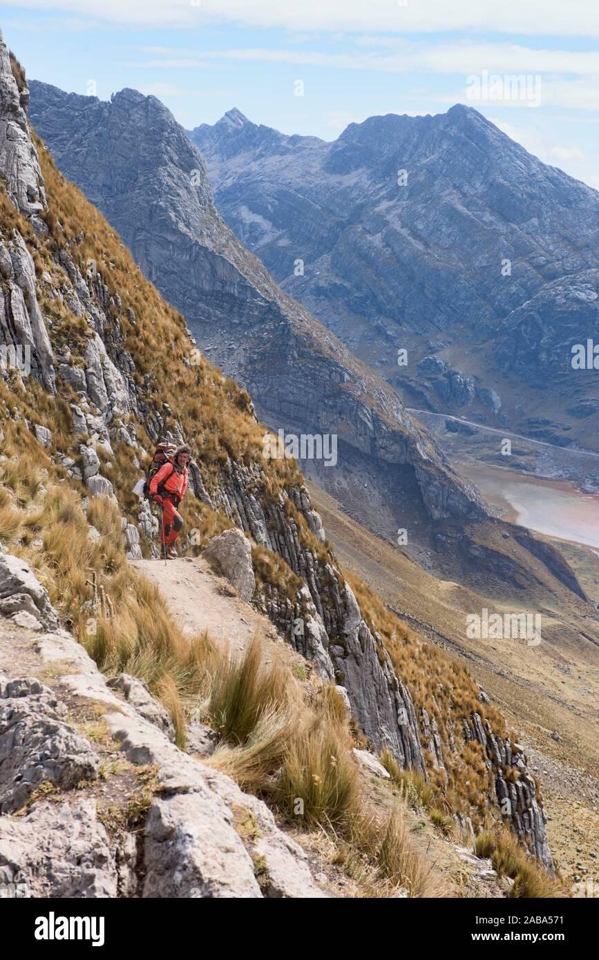 Quebrada Aguas Calientes and Cancanapunta pass on the Cordillera Huayhuash circuit, Ancash, Peru. Stock Photo