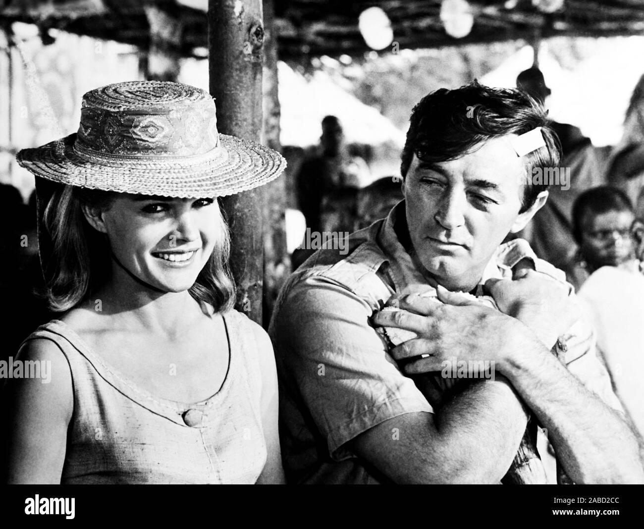 MISTER MOSES, from left, Carroll Baker, Robert Mitchum, 1965 Stock Photo