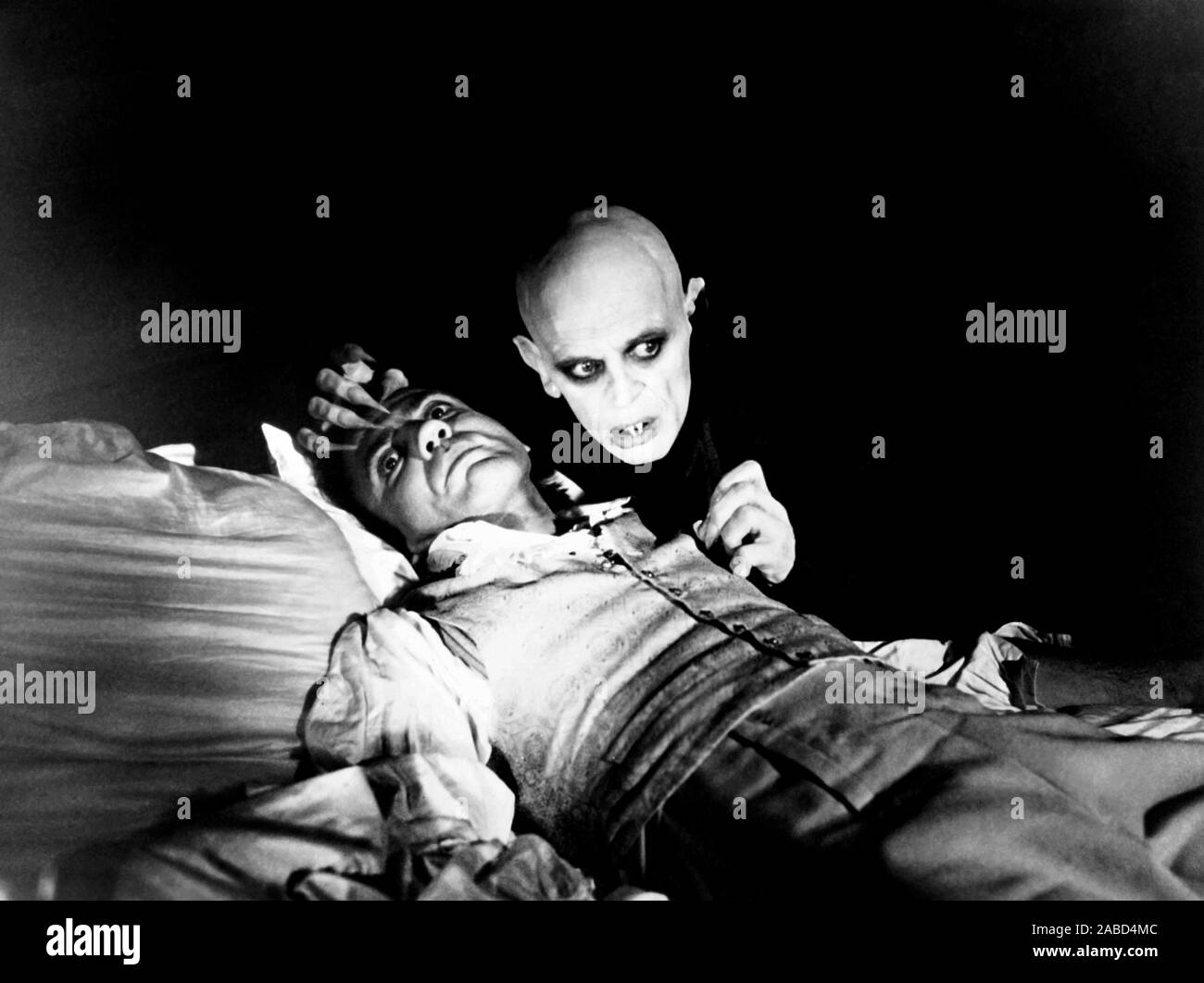 NOSFERATU THE VAMPYRE, (aka NOSFERATU: PHANTOM DER NACHT), from left, Bruno Ganz, Klaus Kinski, 1979, TM & Copyright ©20th Century Fox Film Corp. All rights reserved/courtesy Everett Collection Stock Photo
