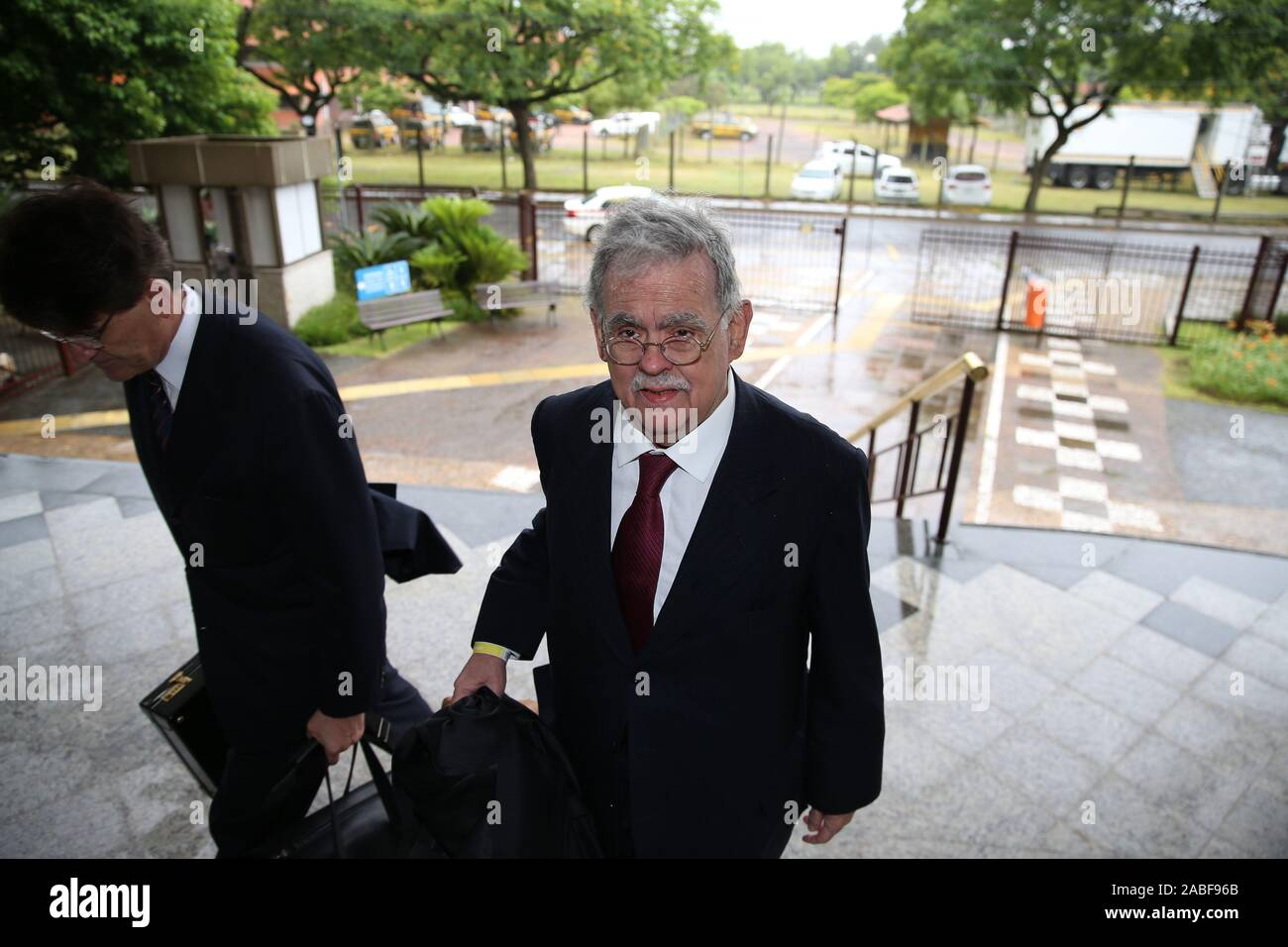 Trial of the criminal appeal of former President Luiz Inacio Lula da Silva and 10 more defendants by the 8th Panel of the Federal Regional Court of the 4th Region (TRF4). Sítio de Atibaia&#3lawsuit fot found the transfer of undue advantage by contractors OAS and Odebrecand rancher José Carlos BumlBumlai for the payment of property reforms, which would have as real owner, according to the sentence of the 13th Federal Court of Curitiba, the former President Lula. Stock Photo