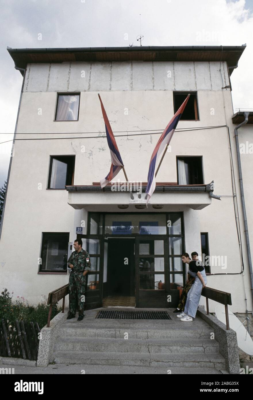 8th August 1993 During the war in Bosnia: the entrance to the Serb Democratic Party (SDS) Headquarters at the Hotel Panorama in Pale. Stock Photo